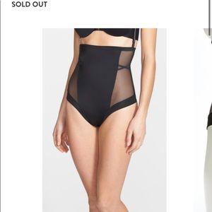 SPANX Oh My Posh High waisted thong shape wear S